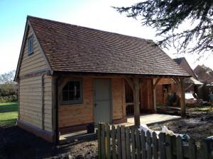 Oak framed garden building by Shires Oak Buildings
