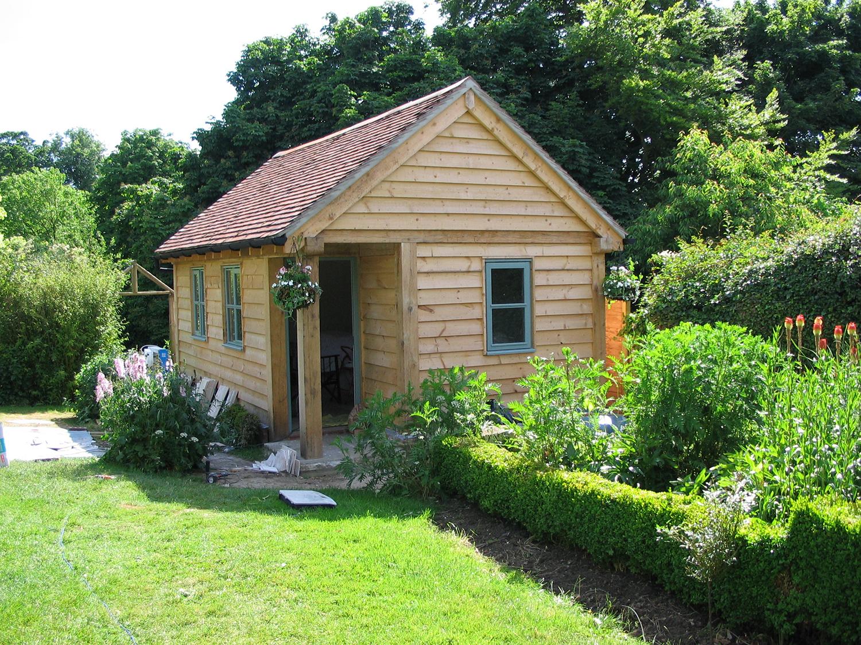 Oak framed garden office by Shires Oak Buildings