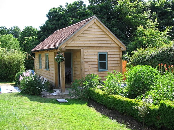 Oak framed garden office by Shires Oak Buildings