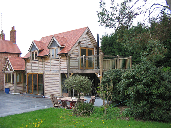 Oak framed home extension by Shires Oak Buildings
