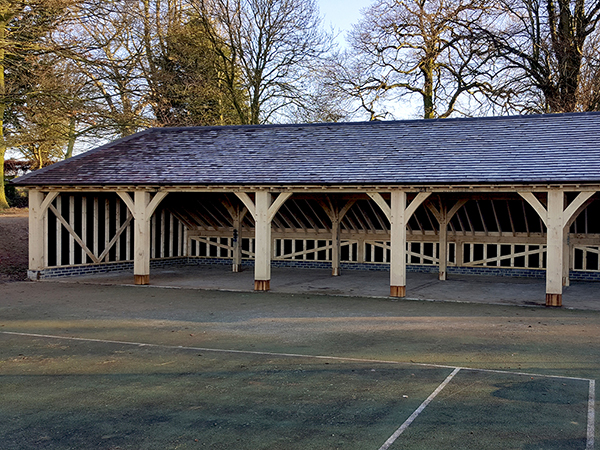 Oak framed 5 bay garage by Shires Oak Buildings