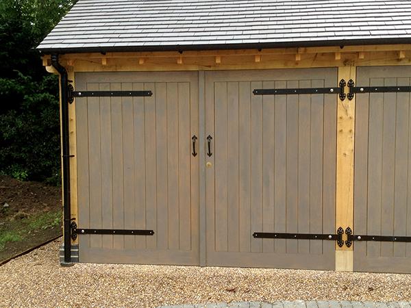 Traditional oak garage doors by Shires Oak Buildings