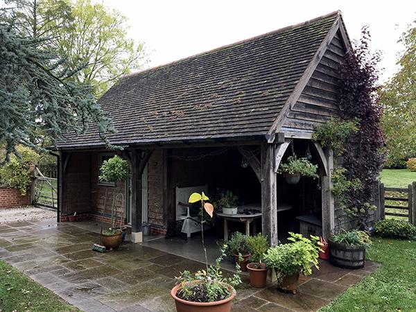 Oak framed garden store, right hand elevation, by Shires Oak Buildings